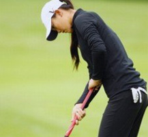 MICHELLE_WIE_PUTTER